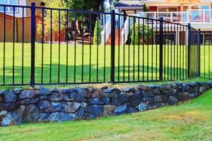 McConnie Fence offers aluminum fencing in FL